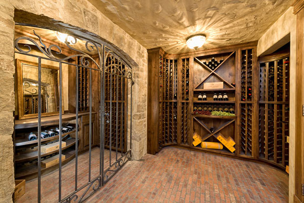 Show stopping luxury home design trends wine cellars for Home wine cellar designs