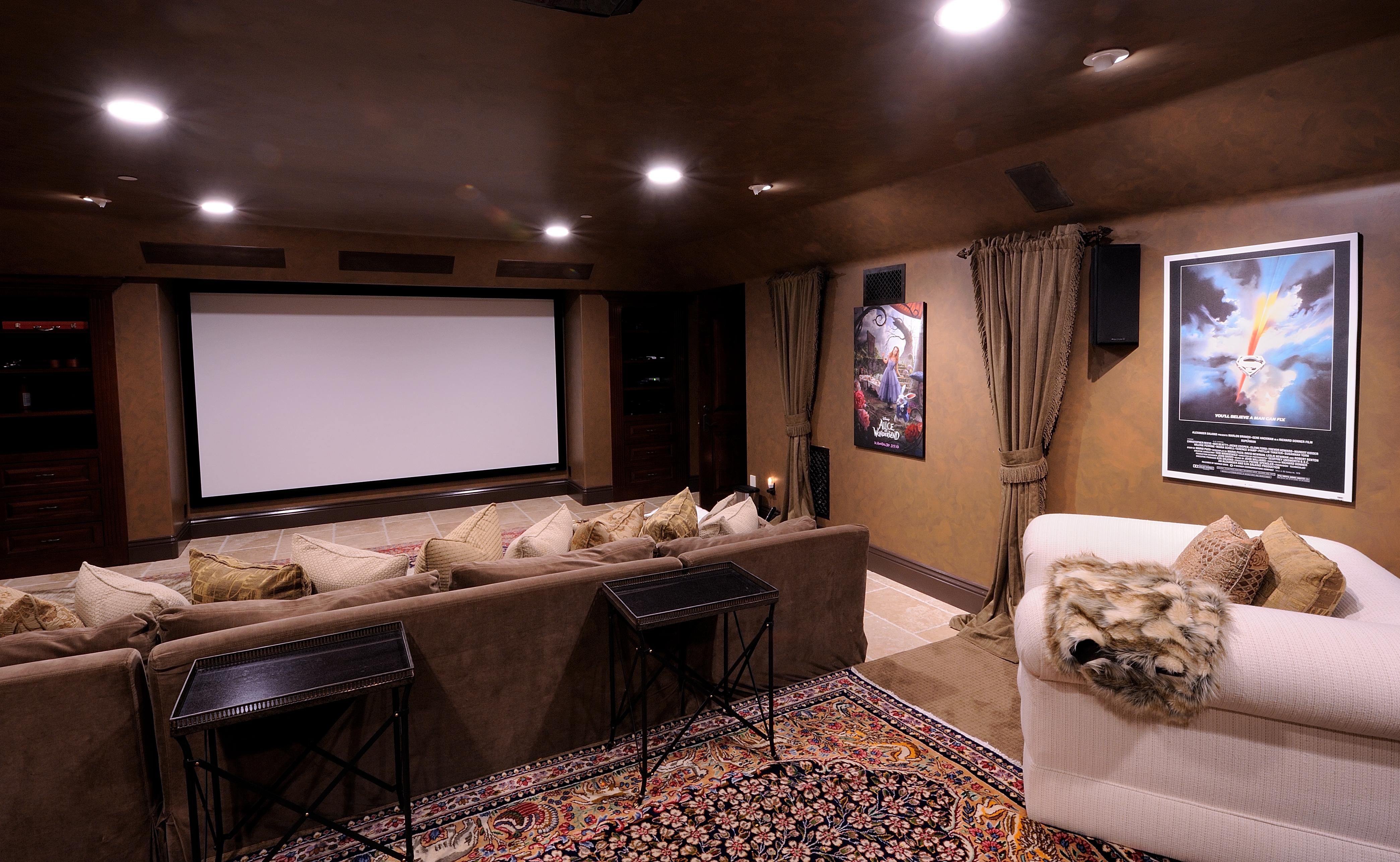 Top trends in luxury home design best theater rooms for Luxury home theater rooms