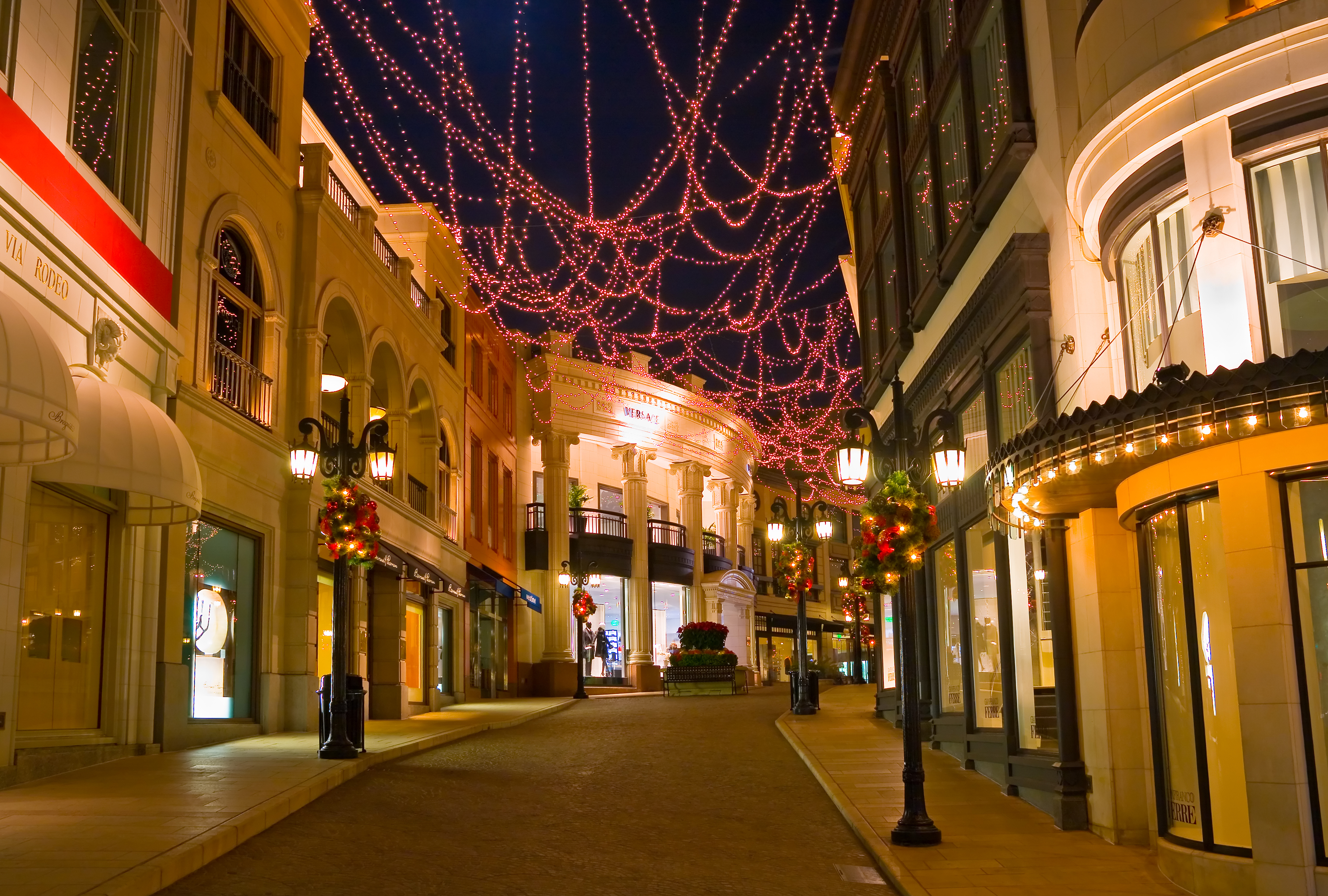Deck The Halls In Style A Christmas Vacation In California