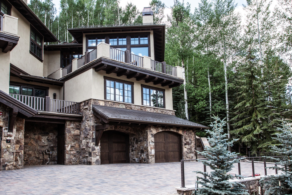 5 Magnificent Luxury Ski-In/Ski-Out Vacation Rentals: Paintbrush - Deer Valley, UT: Lionshead View Chalet - Vail, CO
