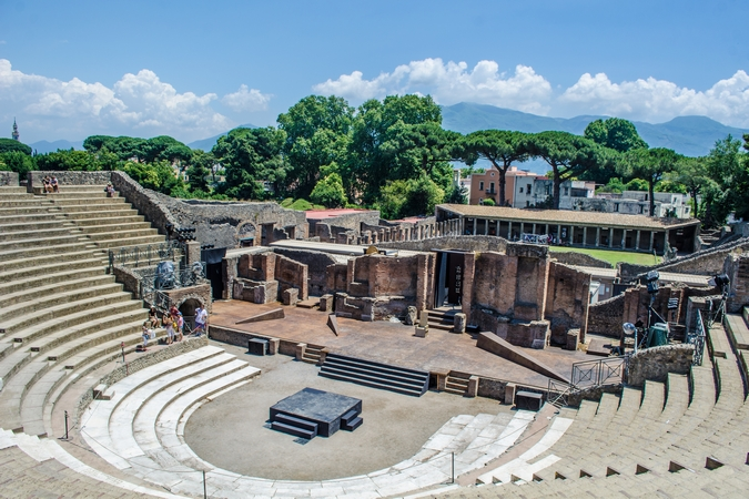 theatre in pompeii, amalfi coast